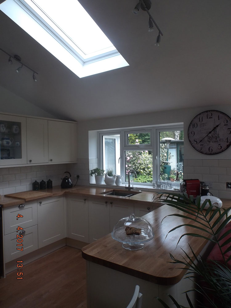 Kitchen extension with vaulted ceiling and roof lights