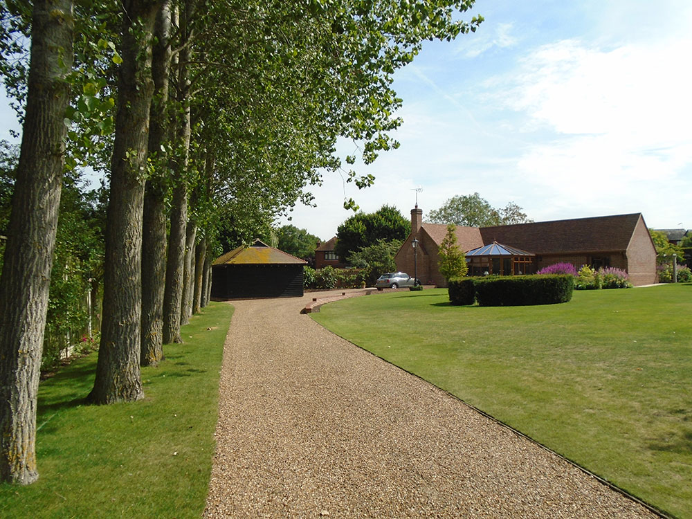 Driveway leading up to the detached annexe